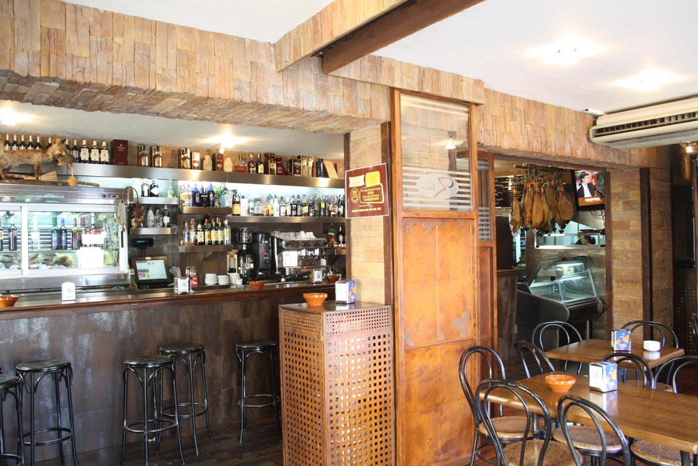 Caza Juan, Restaurante y Bar en Valdezorras